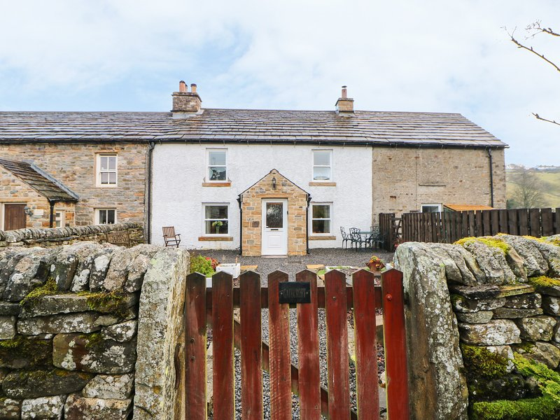 GATECROFT, woodburner, pet-friendly, Garrigill, holiday rental in Garrigill