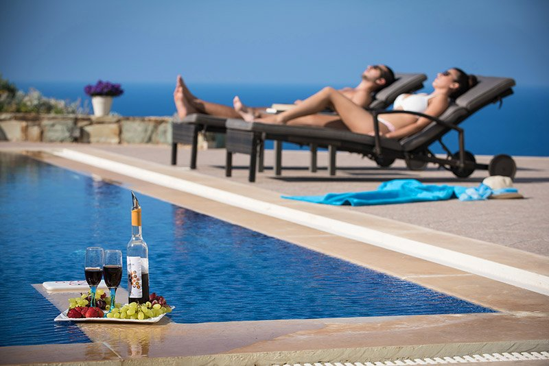 Villa Aspa élégante, 8-10 personnes, 4 chambres à coucher, piscine privée., holiday rental in Mononaftis