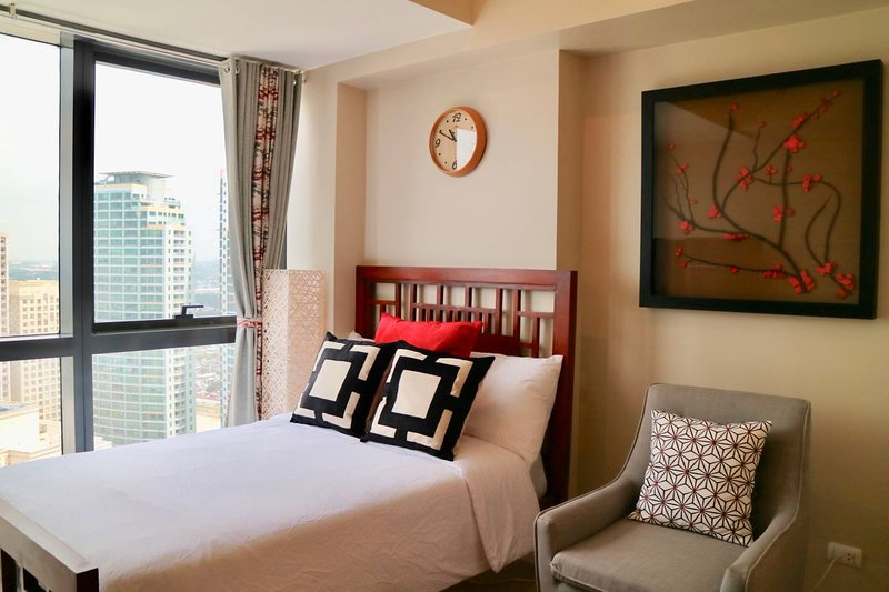 Posh Japanese Haven w/ Netflix & Superspeed WiFi, vacation rental in Pasig