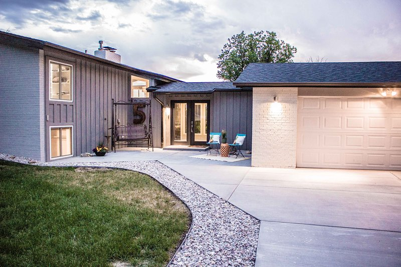 Colorado Dream Home - Mountain Living Close to Town, vacation rental in Sedalia