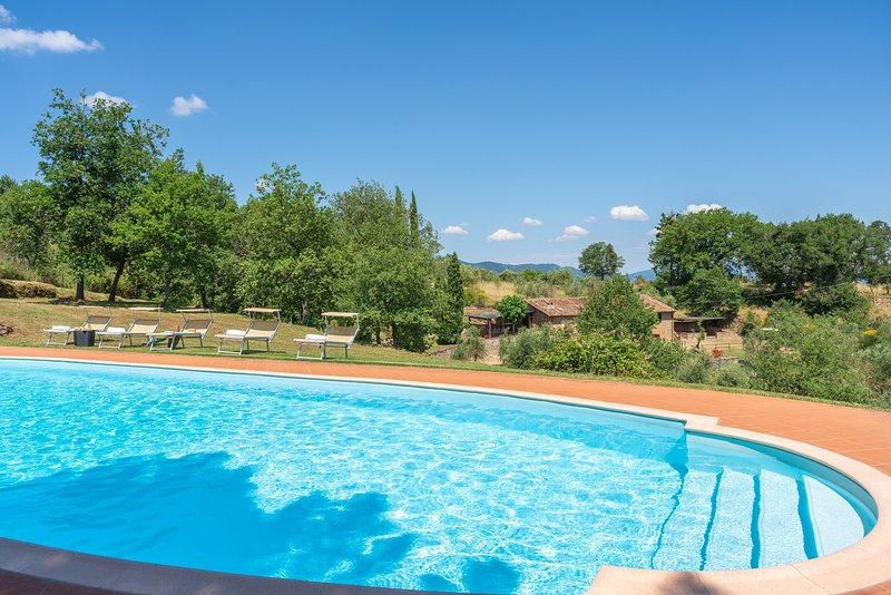 Cavriglia Holiday Home Sleeps 8 with Pool - 5227006, holiday rental in Montegonzi
