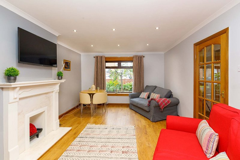 Lomond Serviced Apartments- Inglewood, vacation rental in Falkirk