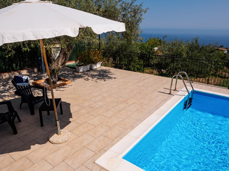 La Casa della Mimosa, holiday rental in Rocchenere