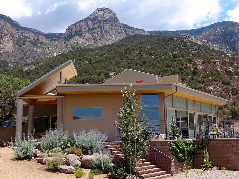 Sandia Mountain Suite, vacation rental in Placitas