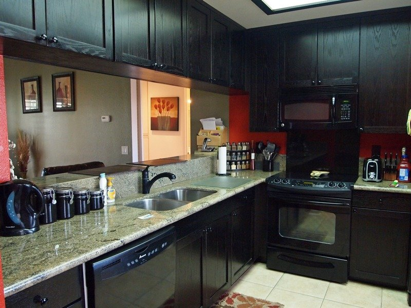 Kitchen with opposite side Bar Stool Counter