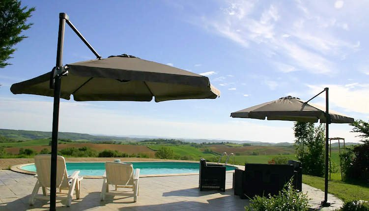 Carcassonne holiday gites with pool sleeps 4, holiday rental in Lapenne