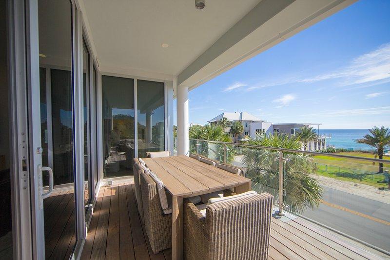 Magnifique vue sur le golfe depuis le balcon de Viridian 203