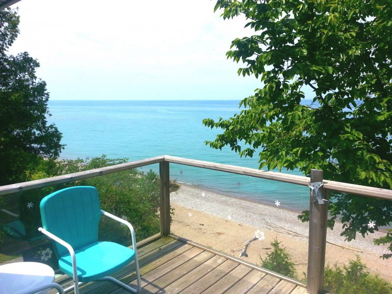 Beach Front GeoDome Cottage in beautiful Port Albert, Ontario, holiday rental in Point Clark