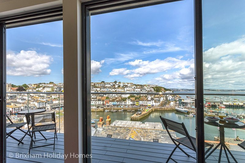 Seascape - Brixham - Magnificent 180 degree views of Brixham Harbour and Torbay, holiday rental in Brixham