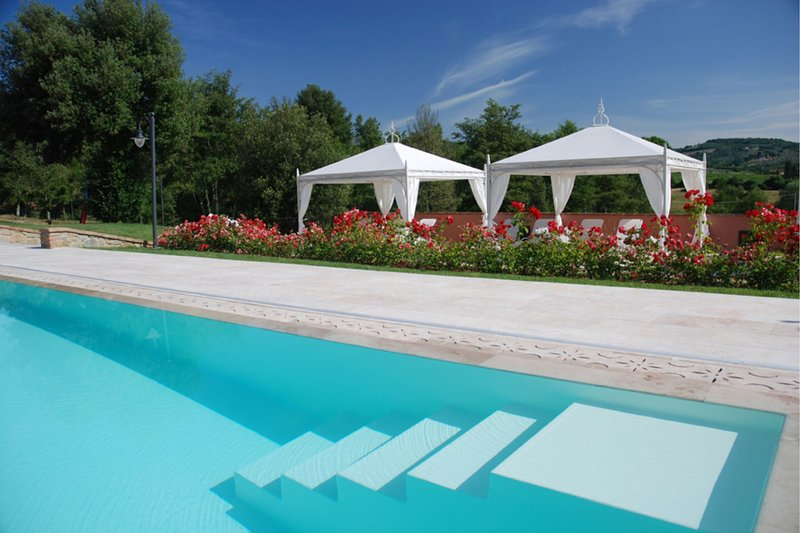 Ciggiano Villa Sleeps 33 with Pool and Air Con - 5704633, alquiler vacacional en Civitella in Val di Chiana