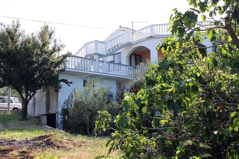 Comfortable and spacious apartment Povljana, Pag (A-6299-a), vacation rental in Povljana