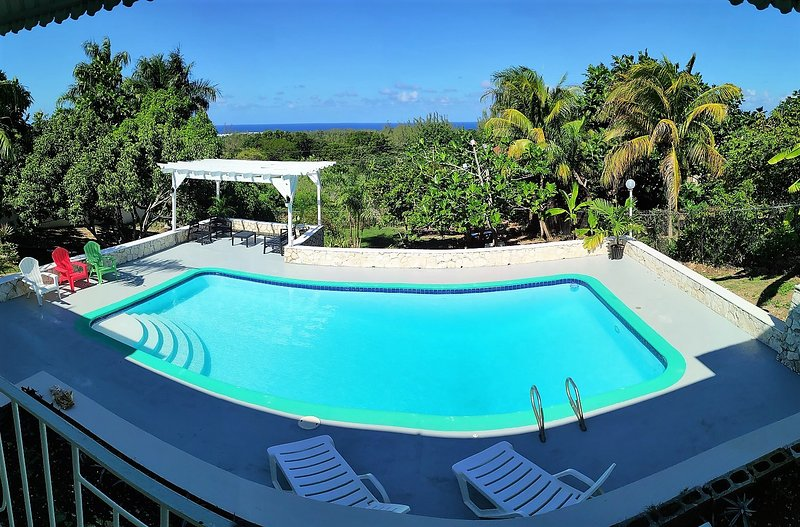 Montego Stay - Cozy and Comfortable with a sea view, location de vacances à Montego Bay