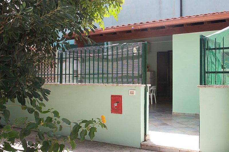 Casa vacanze vicina al mare ed ai servizi m143, holiday rental in Sant'Andrea