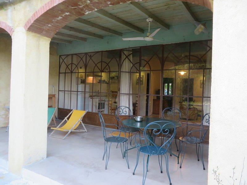 En Corse, au Sud de Calvi, le Gite Bleu aux Gites de Paradella, Ferienwohnung in Moncale