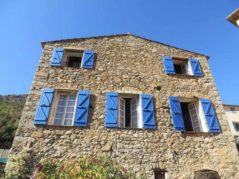 Ile-Rousse, Calvi, grand gîte de caractere en maison de vacances pour 8 pers, location de vacances à Zilia