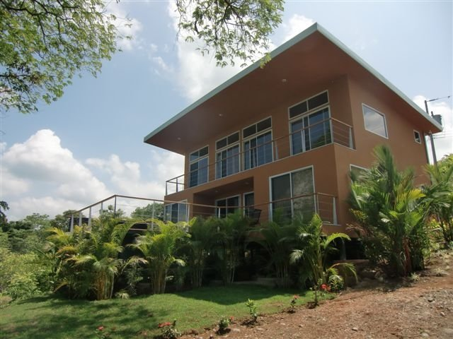 Luxurious Low Costa Rican Villa w/Ocean View!, holiday rental in San Carlos