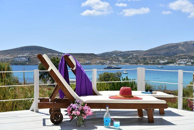 Kolymbithres beachfront villa,great Naousa views, aluguéis de temporada em Naoussa