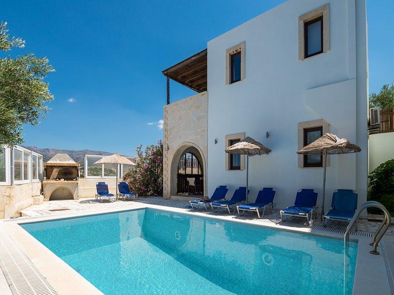 Villa Athéna, plage accessible à pied, piscine privée,6 personnes,vue magnifique, location de vacances à Ierapetra