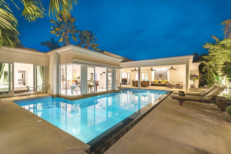 Luxury Pool Villa 52, aluguéis de temporada em Nong Prue