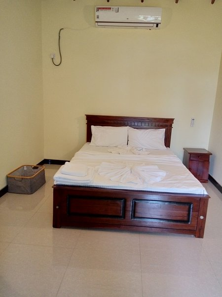 ELZANGI TRIPLE ROOM APARTMENT, holiday rental in Pamunugama