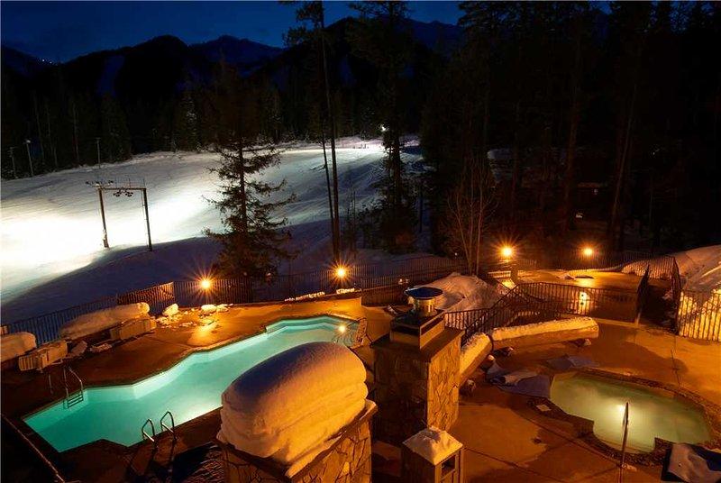 Snow Creek Lodge 209, holiday rental in Jaffray