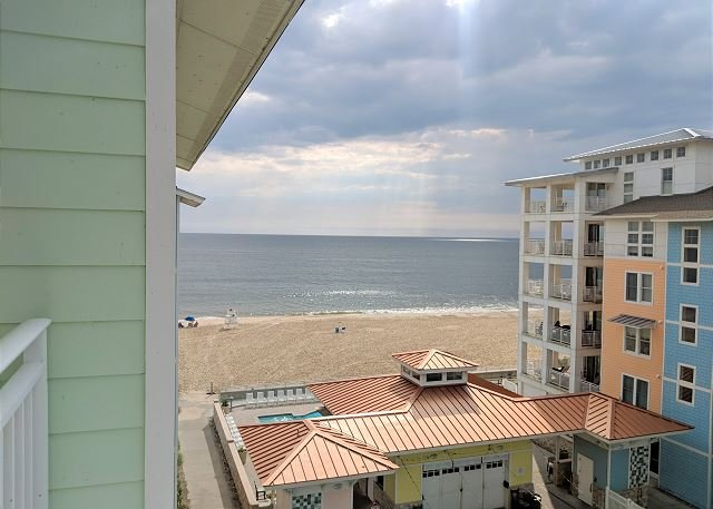 Beautiful 2 Story Penthouse W 3 Bedrooms And Amazing Beach Views