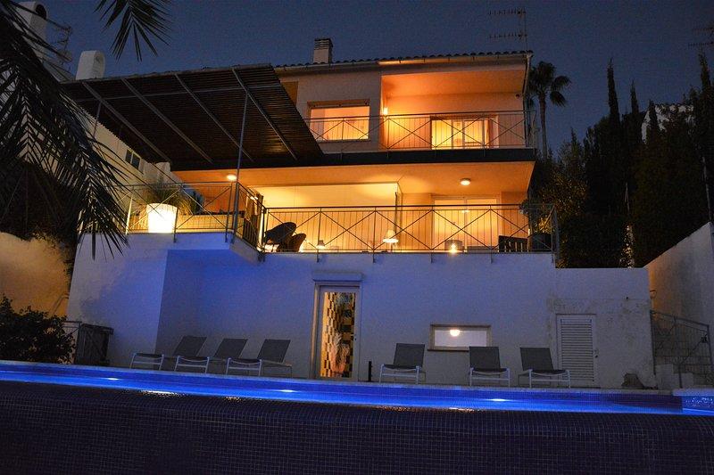 Villa Sitges Loto: High comodity, very spacious, nice design.