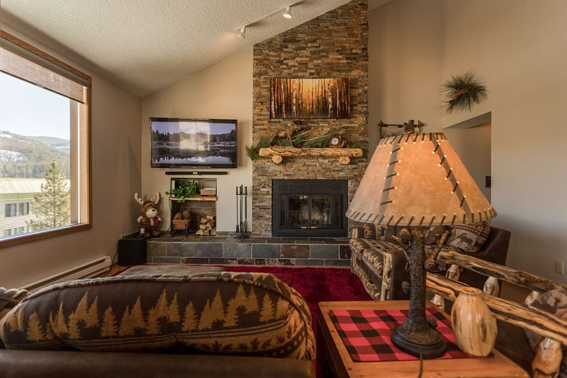 Comforting mountain decor throughout