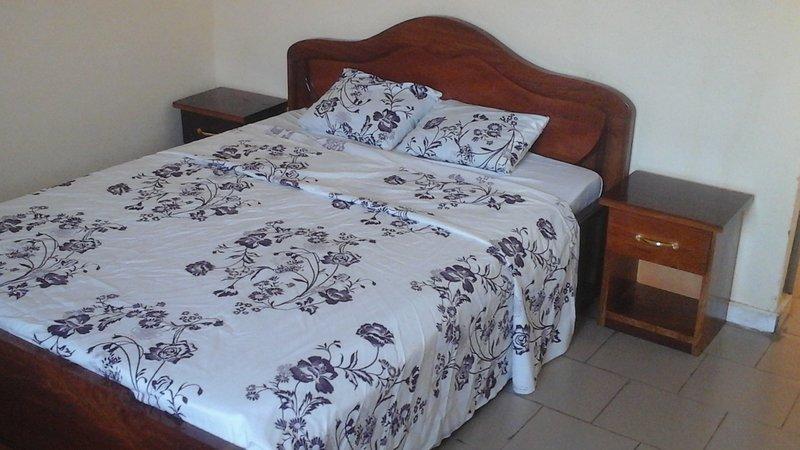 Appartement pour vos séjours dans un cadre sobre! Boulevard Mohamed VI BKO-MALI., holiday rental in Bamako