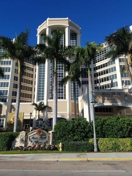 Beachfront Luxury Condo Marco Beach Ocean Resort