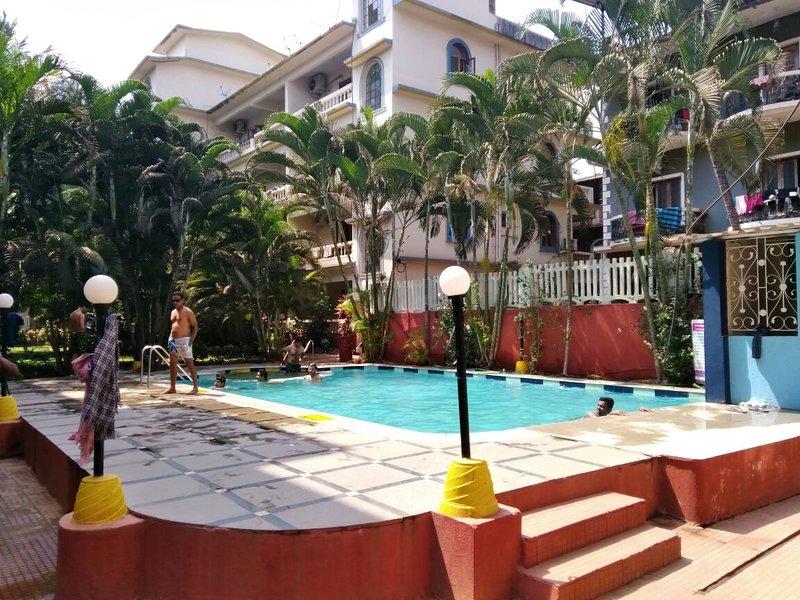 TripThrill Colonia De Braganza 1BHK Apartment, holiday rental in Saligao
