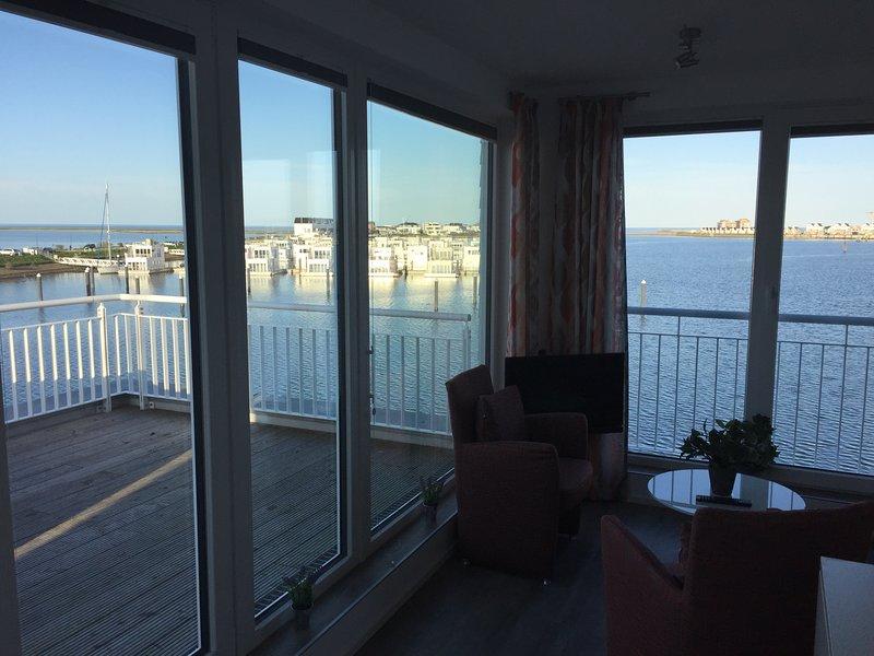 Doppelhaushälfte LOOTSEN HUS direkt (!) am Wasser - mit Panoramablick, holiday rental in Maasholm