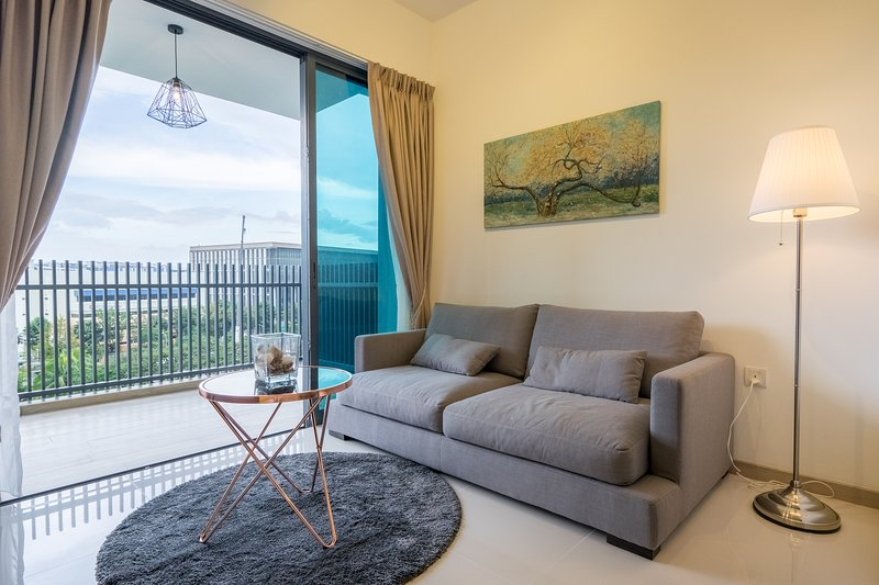 SPACIOUS 2 BR, JURONG EAST, holiday rental in Singapore