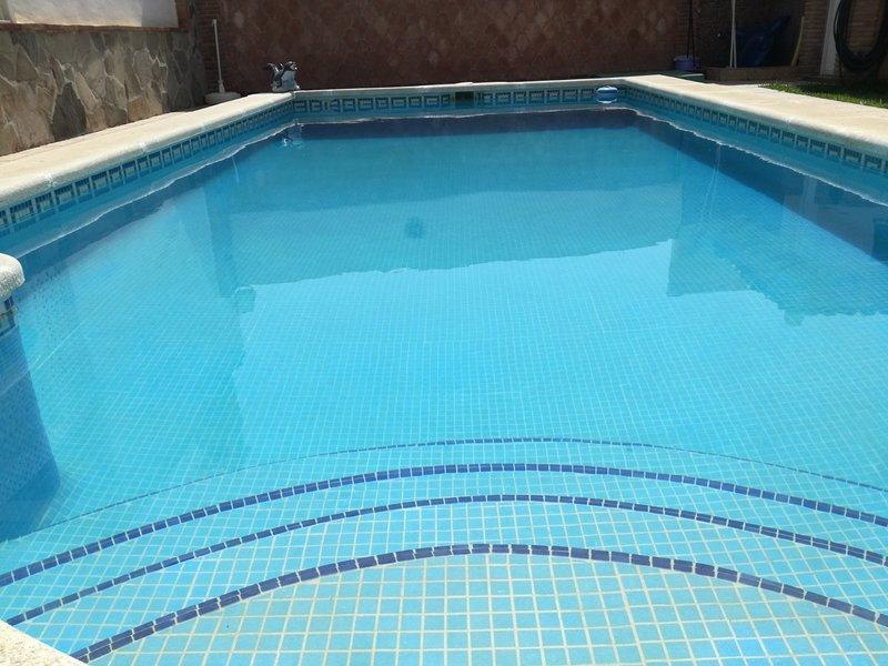 Alquiler villa individual, holiday rental in Benamocarra