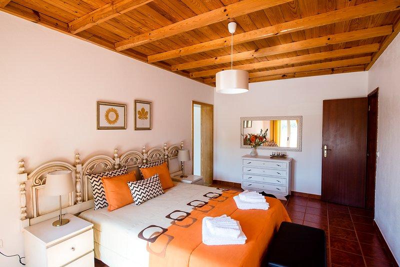 Vale do Grou Natura - Quarto 6, holiday rental in A Dos Francos