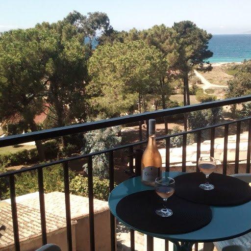 Nice apartment with sea view, location de vacances à Calcatoggio