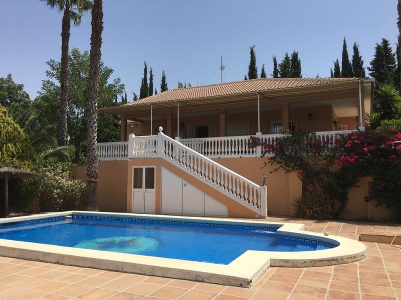 Villa with private swimming pool and wonderful garden, holiday rental in Alhaurin el Grande