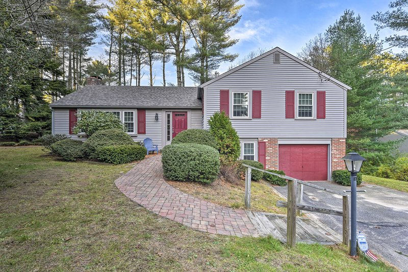 Osterville Home - 2 1/2 Miles to Craigville Beach!, holiday rental in Osterville