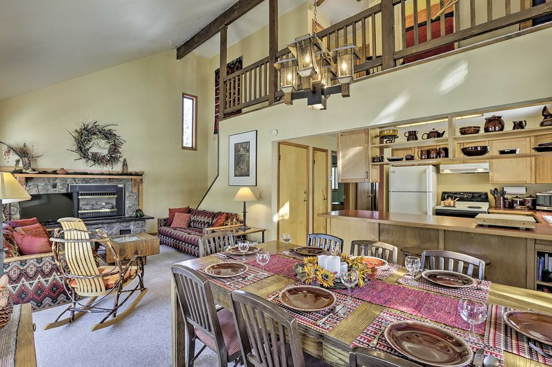 Home w/ Hot Tub < 1 Mile to Winter Park Resort!, casa vacanza a Winter Park