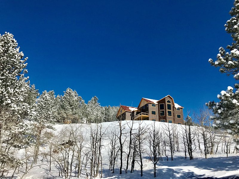 {The Deadwood Dream} - BEST VIEWS AROUND!  One mile from Deadwood., vacation rental in Deadwood