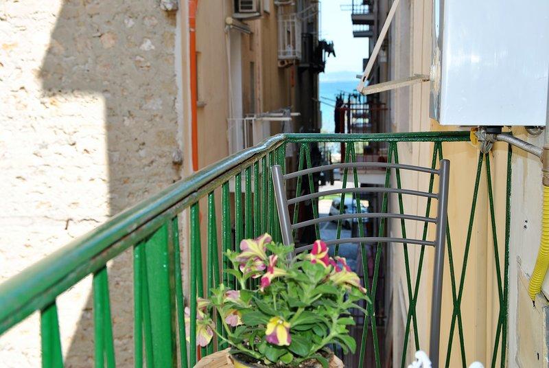 Happiness House two steps away to the Beach of Gaeta, aluguéis de temporada em Gaeta