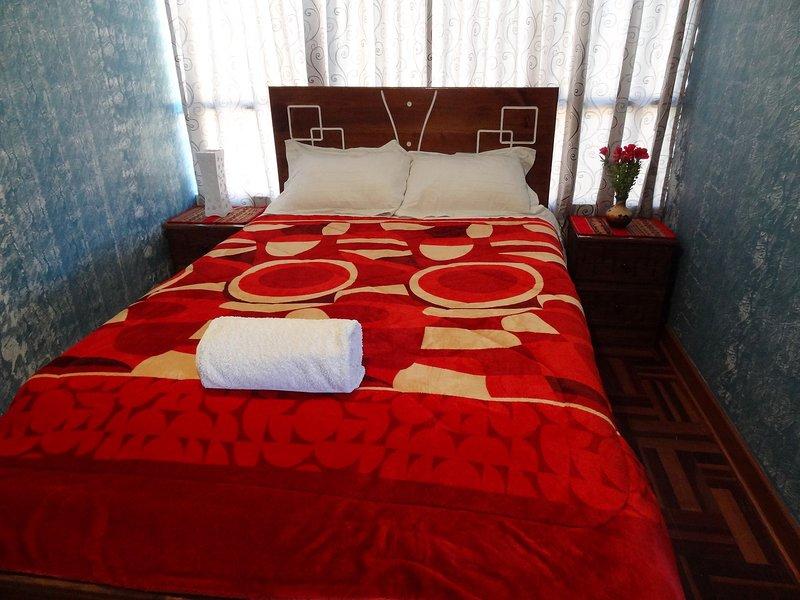 NICE AND COMFORTABLE APARTMENT IN CUSCO, holiday rental in San Sebastian