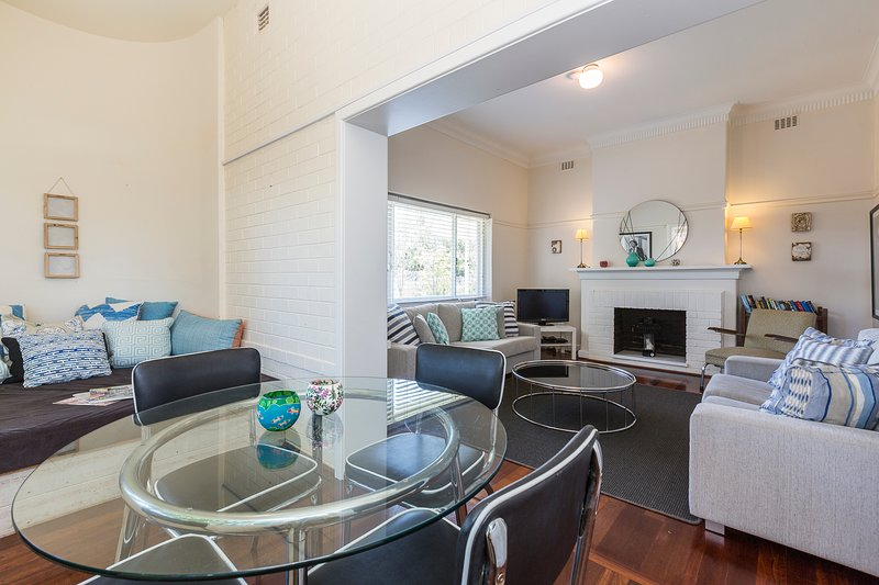 Cottesloe Bel-Air Apartment, holiday rental in Shenton Park