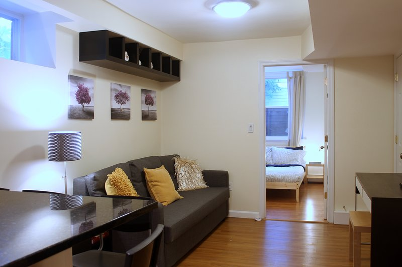 Beautiful Garden Apartment in Coolidge Corner, casa vacanza a Watertown
