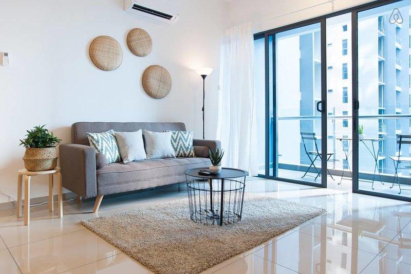 [A1] BEST Atlantis Family Suites • 4-6pax • Jonker Melaka • WIFI, vacation rental in Klebang Kechil