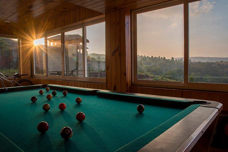 PQ Villa by Vista Rooms, holiday rental in Wai