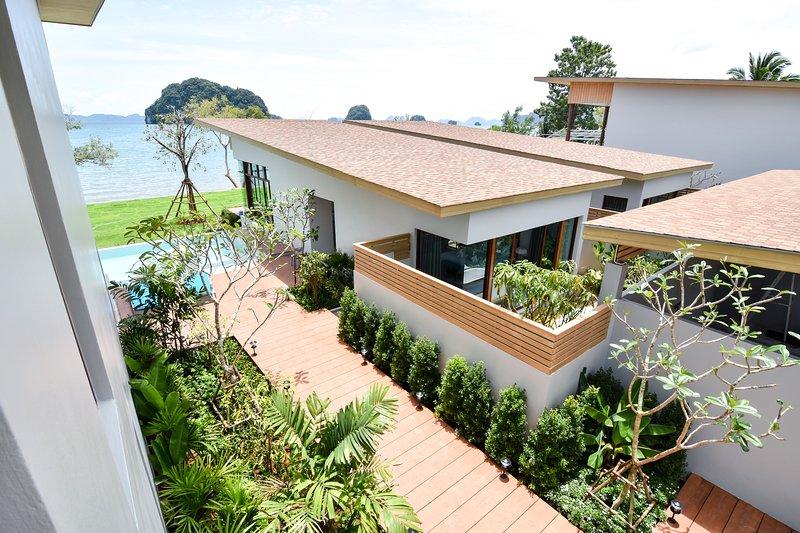 Seafront Krabi Castaway Holiday Private Pool Villa, alquiler de vacaciones en Ao Luek