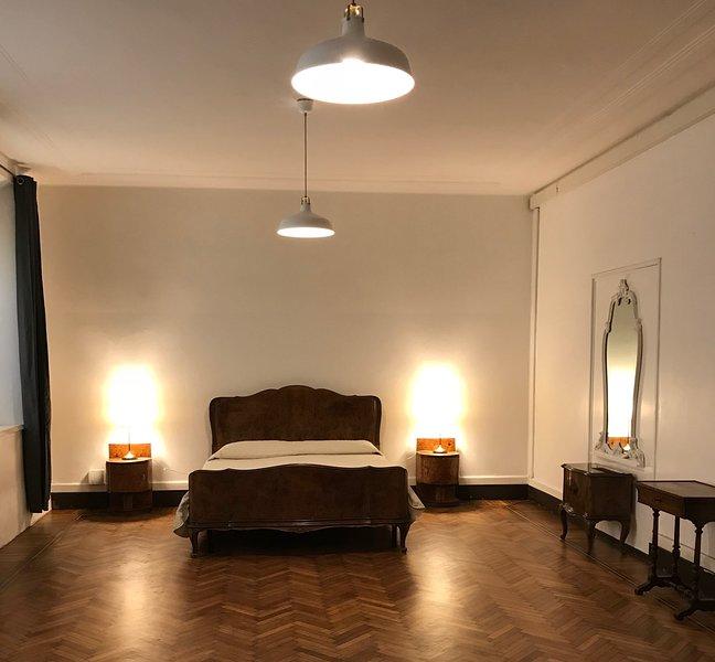 Appartamento San Paolo Centralissimo con piccolo giardino, vacation rental in Parma