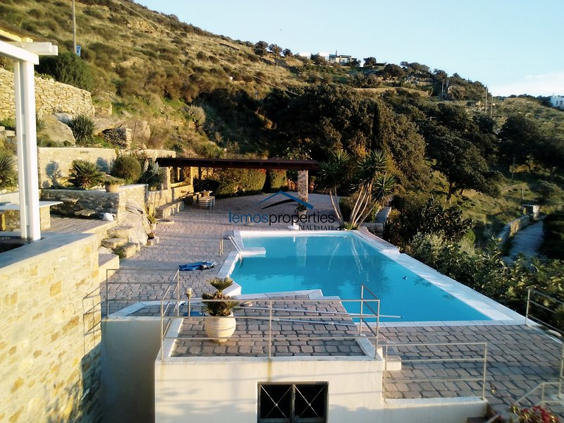 The large terrace and swimming pool