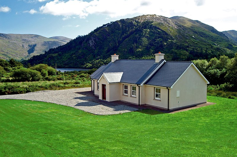 307 - Glanmore Lake, Lauragh, holiday rental in Castletownbere